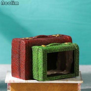 Pot encrusted in resin book lights - 4