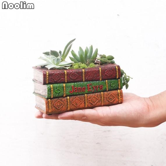 Pot encrusted in resin book lights - 5