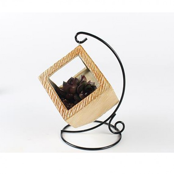 Pot hanging from its wrought iron pendant - 2