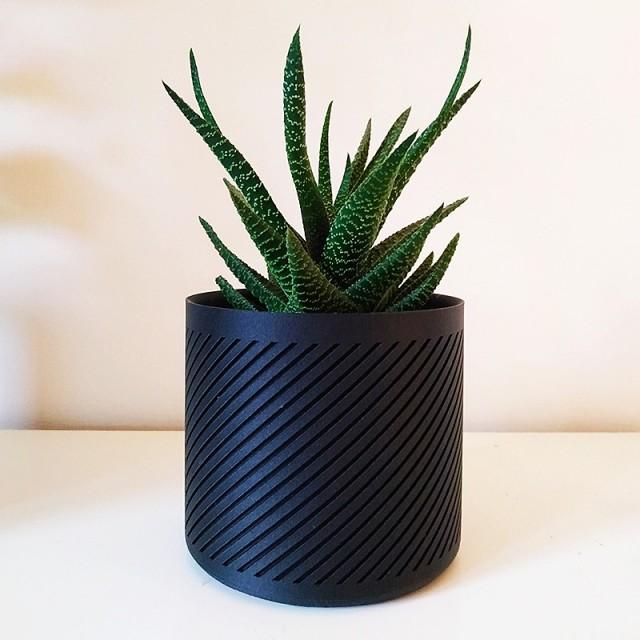 Pot de fleurs contemporain - 1