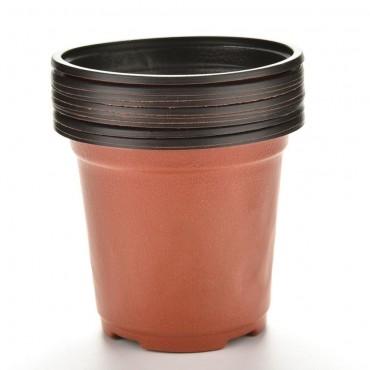 Les 10 pots en plastique - 2