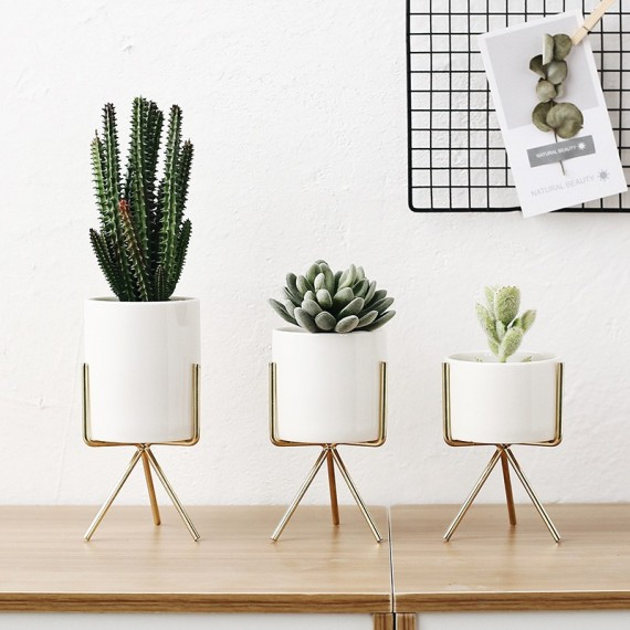 3 stand pots - 1