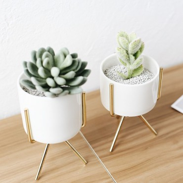 3 stand pots - 3