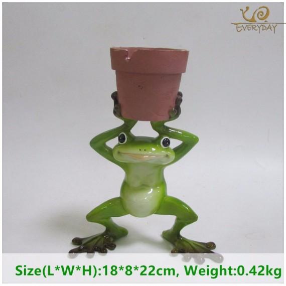 Grenouille tenant un pot - 4