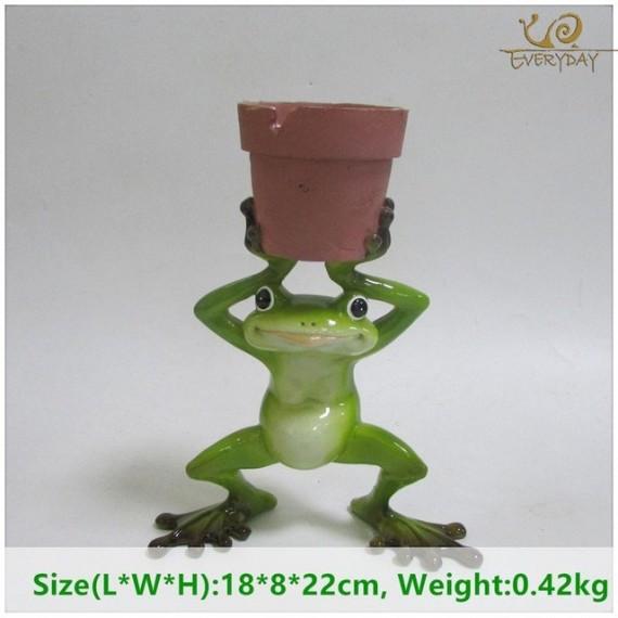Grenouille tenant un pot - 7