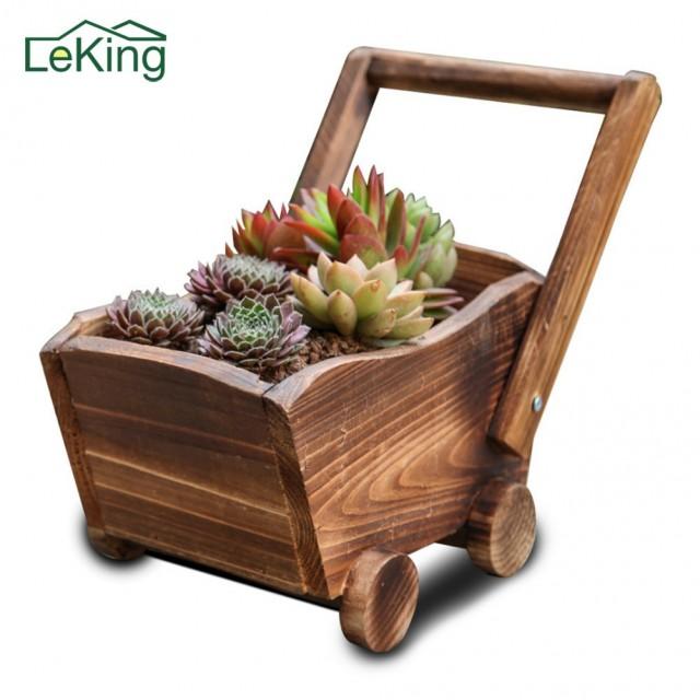 Jardinière en bois chariot ou petit train - 1